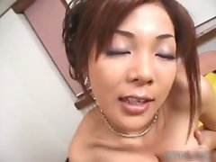 Amazing asia babe with awesome body