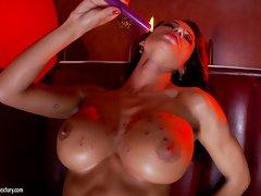Franceska Jaimes dribbles hot wax on her huge tits