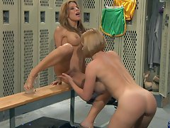Sexy Krissy Lynn finger fucks Alexa Nicole's gash