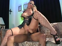 Sultry Nikki Hunter spreads her ass for anal from a huge black cock