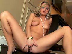 Scarlett Fay hot blonde spreads wide her pussy