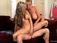 Sarah Jessie goes for a blistering cock ride