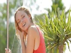adorable outdoor splash and unique body