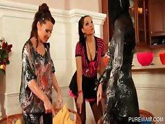 Lesbo trio gets messy in WAM scene
