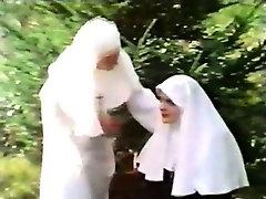 Anne Magle in Geile Nonnen