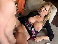 Mature housewife feels so horny (vm)