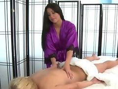 Hot girl massaged by sexy skilled masseuse babe