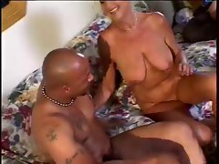 Sexy Amateur Granny Have Sex With 2 Guys