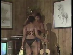 Milk chocolate hottie sex in classic porn