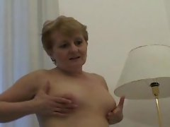 Chubby mom hole filled by hard dick