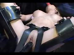Dildo machine fucking this hot body goddess