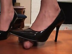 Classic black patent high heel pumps cock crush