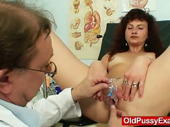 Redhead milf in a vagina checkup at kinky hospital