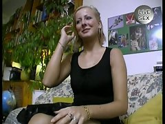 Amateur blonde fucked in a casting