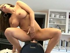 Slutty milf trying our sybian !