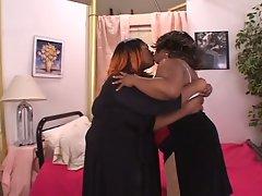 Amateur sex movie with two fatty ebony slut