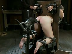 19-year-old hottie Sasha metal bound in old-fashioned strappado and...