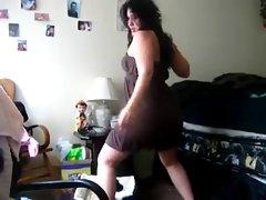 chubby girl dancing - nonude