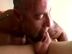 Gay turns straighty with blowjob