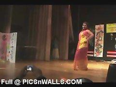 Tamil Girl Hot Mujra Dance