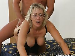 Filthy light-haired aged bitch goes wild stroking