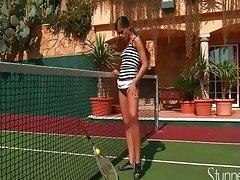 Petite caprice tenis