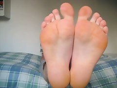 Socks, bare feet & soles up close...