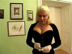 Lady Nicolette Extrem Torture