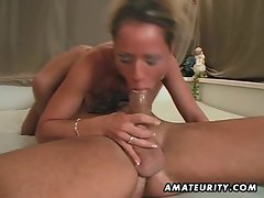 Amateur Mommy homemade horny with facial cumshot