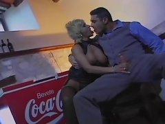 la barista vuole il cazzo nel culo troia butthole