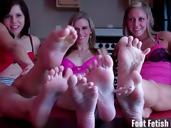 Six feet to jerk off at foot fetish joi