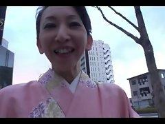 50yr experienced Michiko Uchimura gets 2 Creampies (Uncensored)