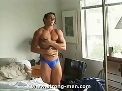 Seductive Bodybuilder Naked