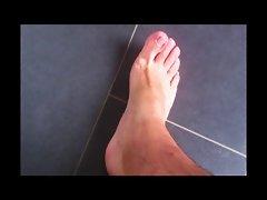 Feet playing (no cum)