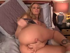JOE cum in her stunning anal