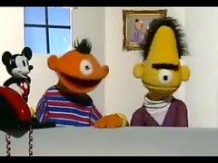 Bernie & Ert haben Telefonsex