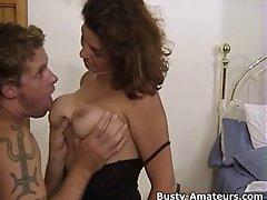 Buxom Serena gets her cunt lick