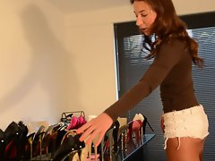 presenting my high heels: filthy shoes inside: barely legal teen chick