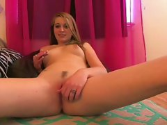 Sizzling teen Cums Playin With her Self :)