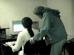 lesbiche indiane ufficio