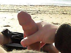 Wank at the beach