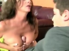 Sex starved cougar pulls the pork