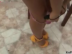 Skinny teen babe loves to play with her part4