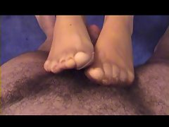 NYLON FOOTJOB - MY BADY' S NEW YEAR GIFT