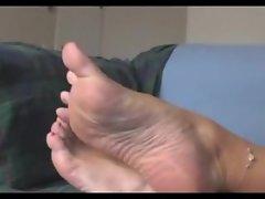 Judi feet teasing