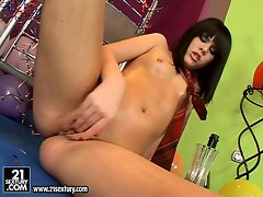 Smoking hot brunette Madison Parker goes solo and rubs her hot oiled snatch
