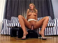 Sandra De Marco goes solo and cums hard as a result