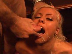 Sexy Lorelei Lee takes a hot cumshot after hardcore fucking