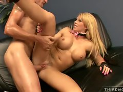 Sexy blonde Brooke Haven gets her dripping cunt pounded