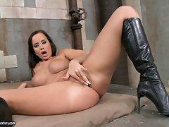 Exotic honey Cindy Dollar loves fingering her tight shaved snatch